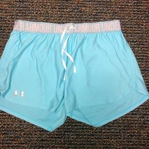 Under Armour shorts size M